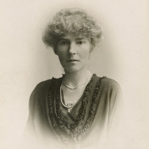 Photo of Gertrude Bell. 1900s. RGS collection/J. Weston and Son